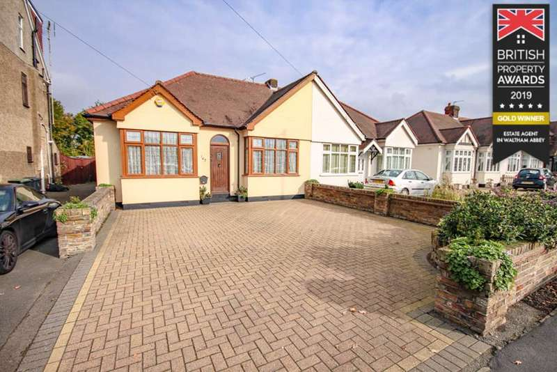 2 Bedrooms Bungalow for sale in Honey Lane, Waltham Abbey, Essex, EN9
