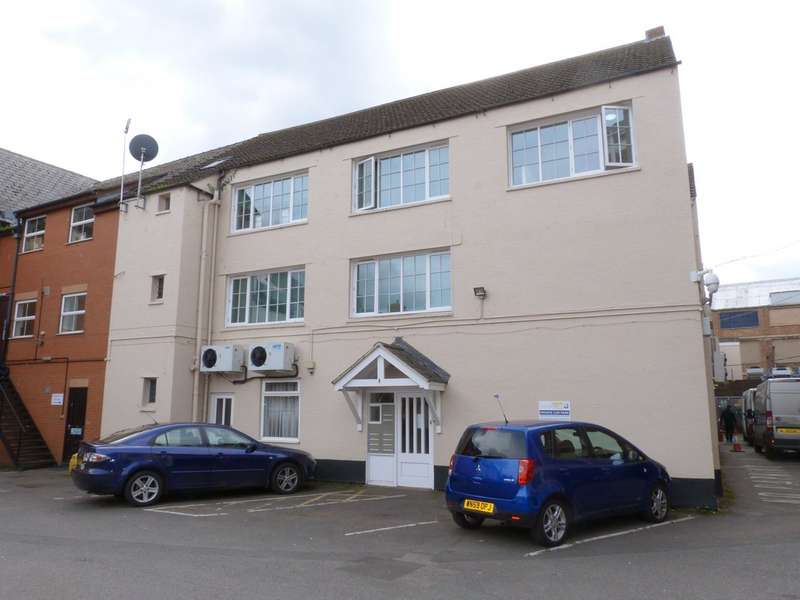 3 Bedrooms Flat for rent in Southgate Street, Gloucester GL1