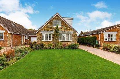 4 Bedrooms Detached House for sale in Falcon Walk, Hilton, Yarm