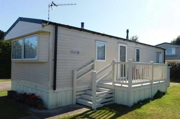 2 Bedrooms Property for sale in Oak Lane, Minster On Sea, Sheerness