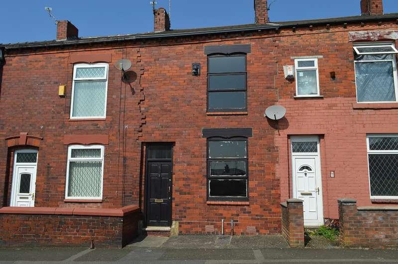 2 Bedrooms Terraced House for sale in Cummings Street, Hollinwood, Oldham, OL8 3SP