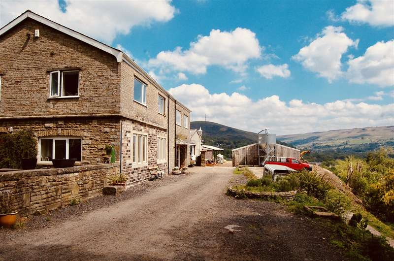 4 Bedrooms Farm House Character Property for sale in Midge Hill Farm, Midge Hill, Mossley, OL5 0RT