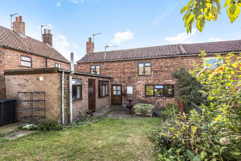 2 Bedrooms End Of Terrace House for sale in Hares Yard, Mill Lane, Horncastle, Lincs, LN9 5DS