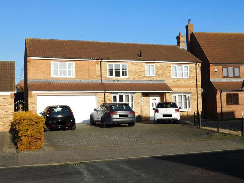 4 Bedrooms Detached House for sale in Precinct Crescent, Skegness, PE25 3AL