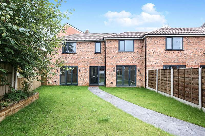 3 Bedrooms Semi Detached House for sale in Stream Terrace, Stockport, Greater Manchester, SK1