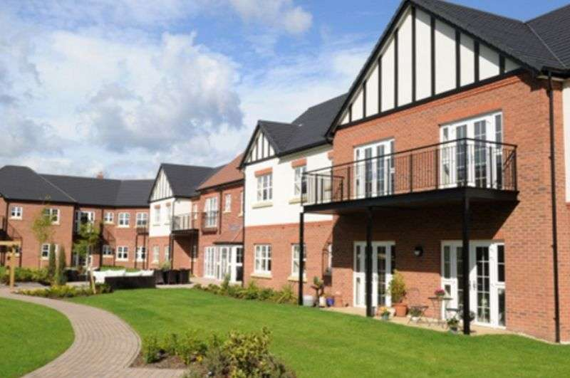 1 Bedroom Property for sale in Ravenshaw Court, Solihull: **FIRST 3 MONTHS SERVICE CHARGE PAID- PRICE REDUCED FOR QUICK SALE**