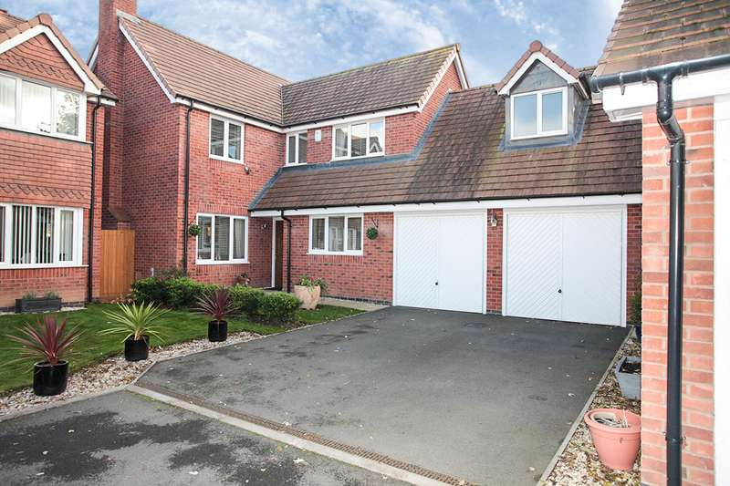 4 Bedrooms Detached House for sale in Lionel Close, Nuneaton, Warwickshire, CV10