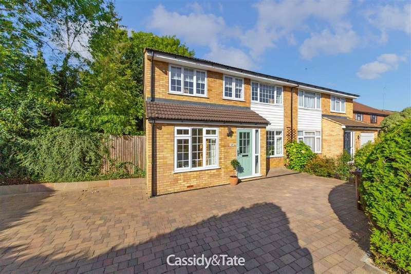 4 Bedrooms Property for sale in Cedarwood Drive, St. Albans, Hertfordshire