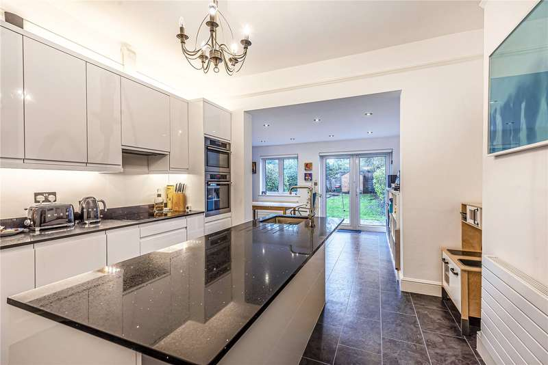 3 Bedrooms Terraced House for sale in Melbourne Avenue, Palmers Green, London, N13