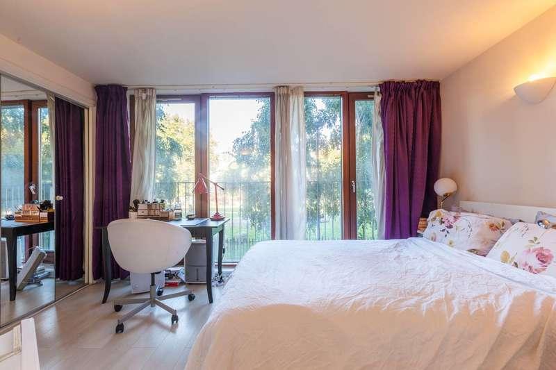 3 Bedrooms Flat for sale in Naylor Building, Adler Street, Aldgate, E1