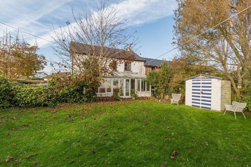 5 Bedrooms Terraced House for sale in Preston Road, Crossmoor, Preston, Lancashire, PR4 3XB