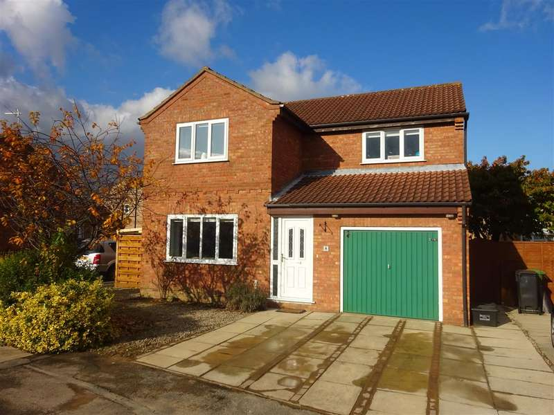 4 Bedrooms Detached House for sale in Longwood Link, Clifton Moor, York