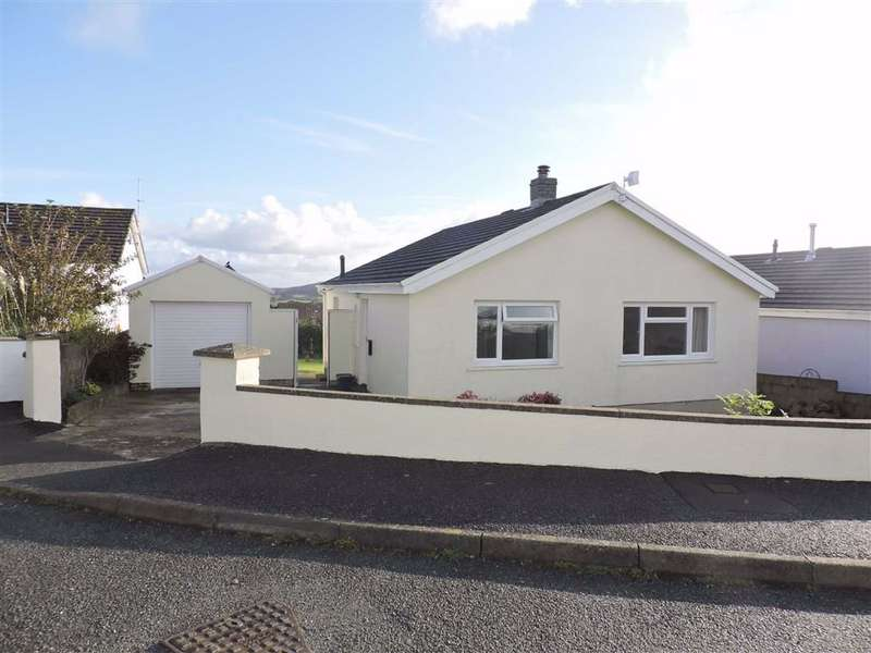 2 Bedrooms Detached Bungalow for sale in Clos Y Bigney, Fishguard