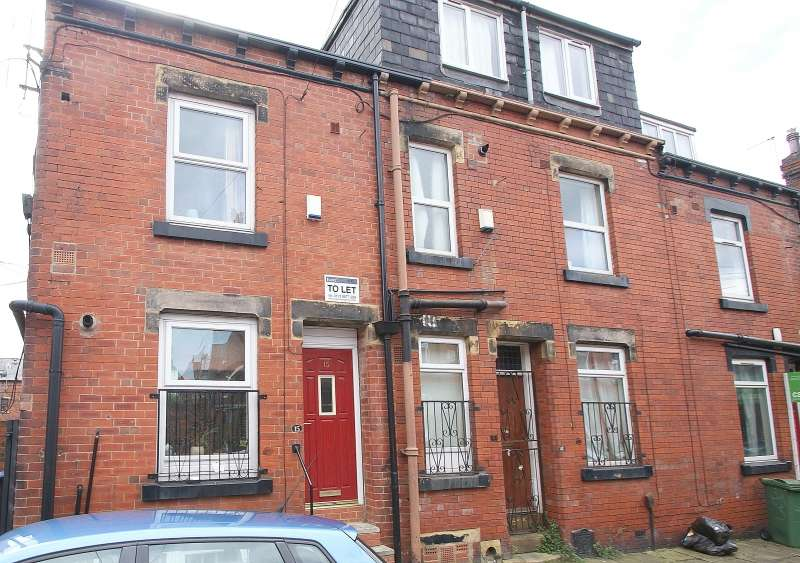 6 Bedrooms Terraced House for rent in Harold Street, Hyde Park, Leeds