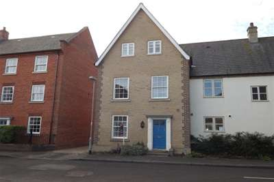 3 Bedrooms Town House for rent in Cardinals Way, Ely
