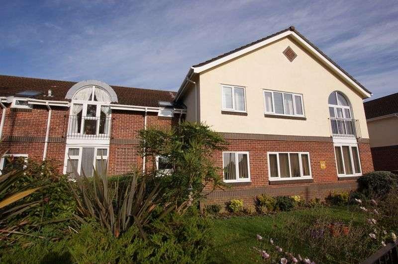 2 Bedrooms Property for sale in Buckingham Court, Highlands Road, Fareham