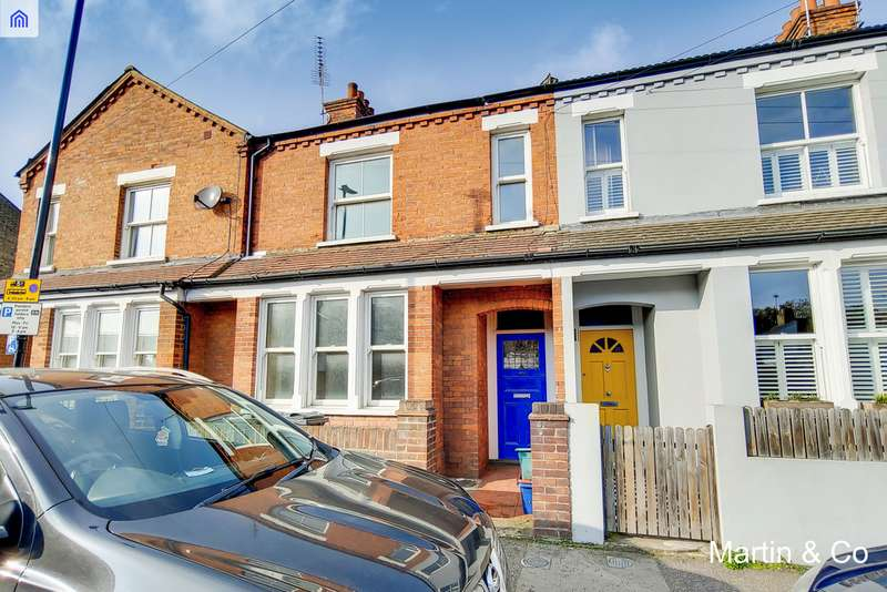 3 Bedrooms Terraced House for sale in Eastbourne Road, Brentford TW8