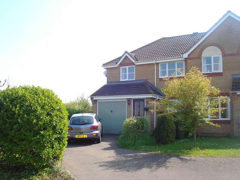 3 Bedrooms Semi Detached House for rent in Tassel Road, Bury St Edmunds IP32