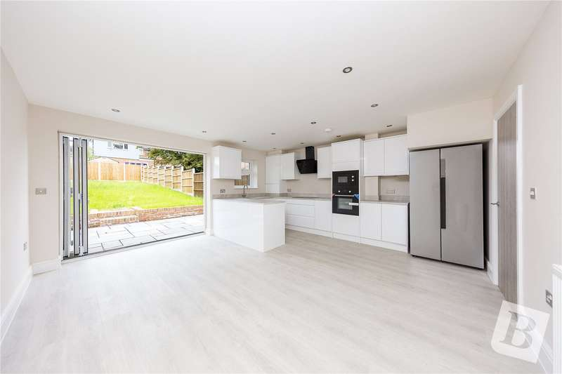 4 Bedrooms Terraced House for sale in London Road, Pitsea, Essex, SS13