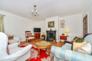 4 Bedrooms Bungalow for sale in Dean Court Road, Rottingdean, Brighton, East Sussex