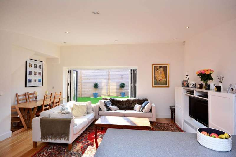 2 Bedrooms House for sale in Copper Tree Mews, Grove Park, W4