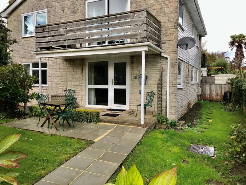 2 Bedrooms Apartment Flat for sale in Hill Road, Lyme Regis