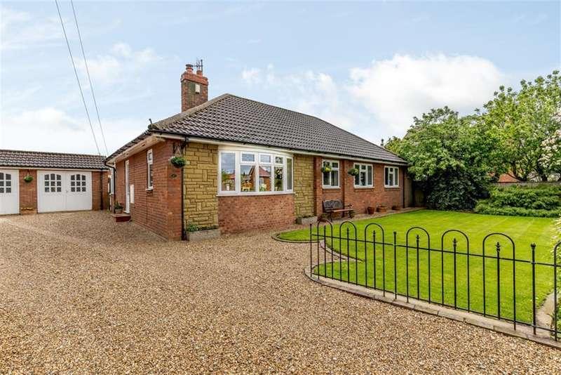 3 Bedrooms Bungalow for sale in West Garth, Sherburn, Malton, YO17 8PN