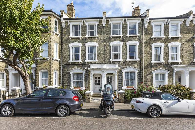 3 Bedrooms Flat for sale in Quentin Road, London, SE13