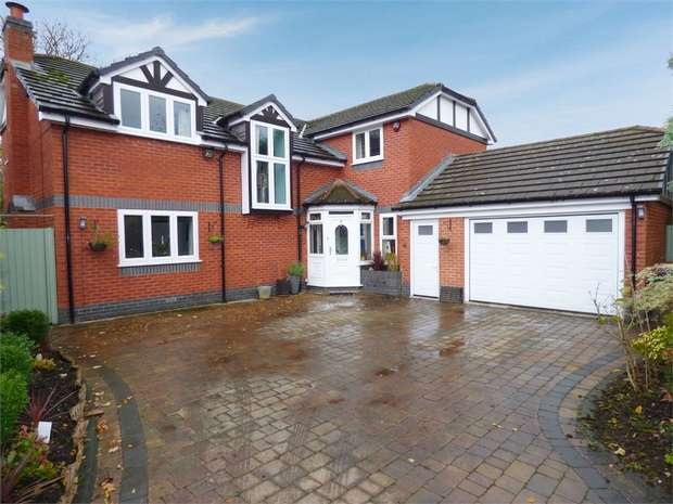 5 Bedrooms Detached House for sale in Milnholme, Bolton, Lancashire