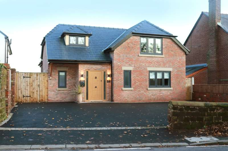 4 Bedrooms Detached House for sale in Foxs Bank Lane, Foxs Bank, Merseyside, L35
