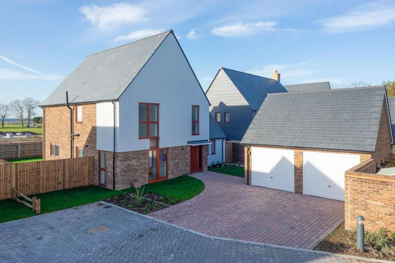 4 Bedrooms Detached House for sale in Heritage Fields, Manor Road, St Nicholas-At-Wade, CT7