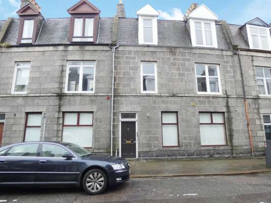 2 Bedrooms Flat for sale in Hollybank Place, Aberdeen, Aberdeenshire, AB11 6XS
