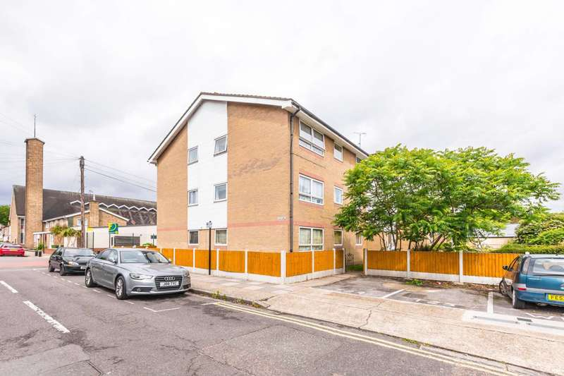 1 Bedroom Flat for sale in Tilbury Road, East Ham, E6