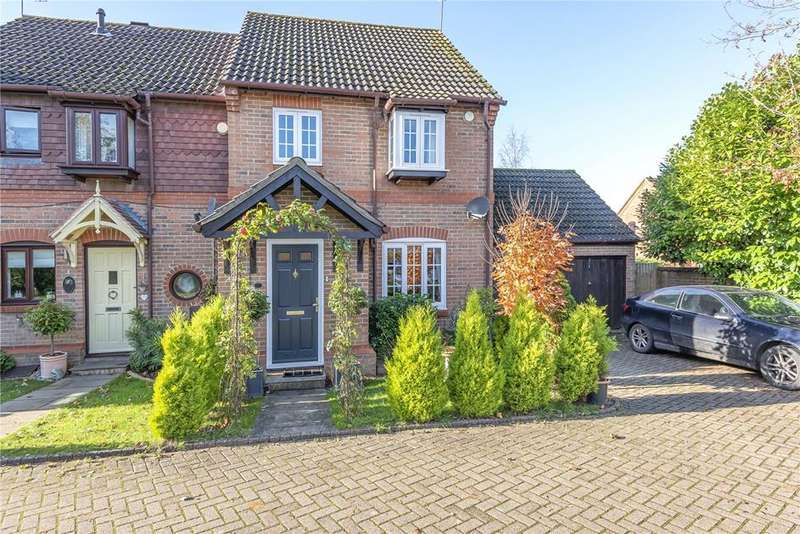 3 Bedrooms Semi Detached House for sale in Carnation Drive, Winkfield Row, Bracknell, Berkshire, RG42