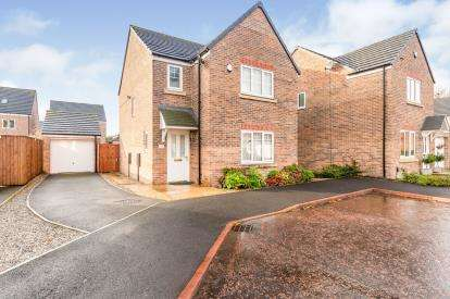 3 Bedrooms Detached House for sale in Millfield Park, Golborne, Greater Manchester