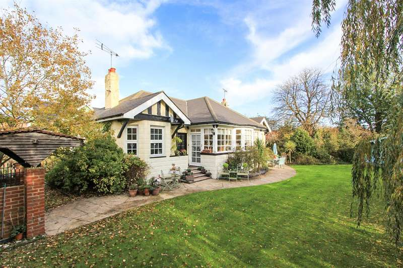 6 Bedrooms Detached Bungalow for sale in Ellis Road, Whitstable
