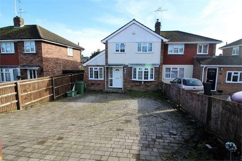 3 Bedrooms Semi Detached House for rent in Fairford Road, Tilehurst, Reading, RG31