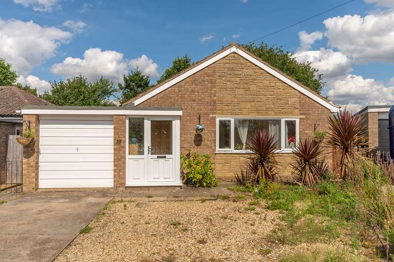 3 Bedrooms Detached House for sale in Pierce Crescent, Warmington, Peterborough, PE8