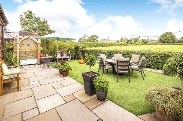 3 Bedrooms Semi Detached House for sale in Chapel Lane, Hargrave, Chester