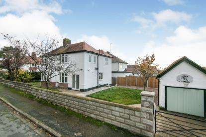 4 Bedrooms Detached House for sale in East Avenue, Prestatyn, Denbighshire, ., LL19