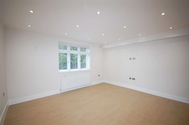 2 Bedrooms Property for sale in The Drive, Finchley