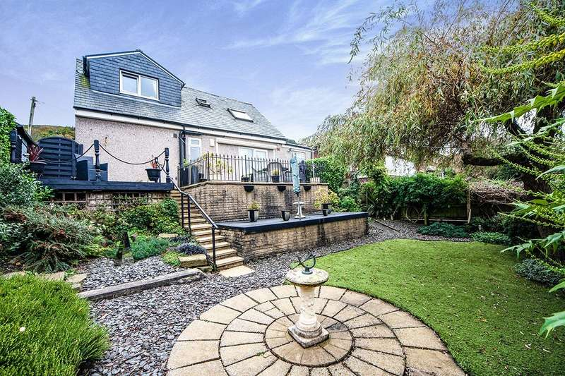 3 Bedrooms Detached Bungalow for sale in Dale Avenue, Todmorden, West Yorkshire, OL14