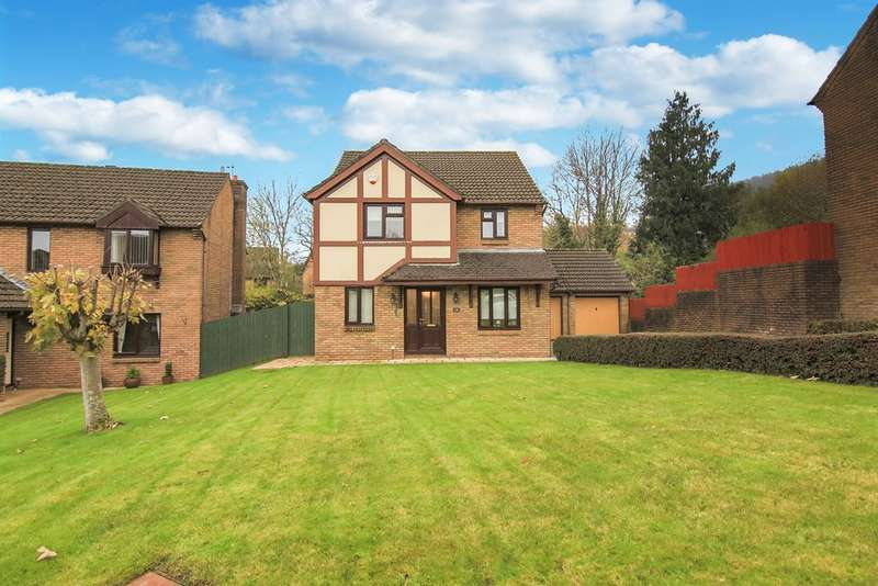 4 Bedrooms Detached House for sale in Longhouse Grove, Henllys, Cwmbran