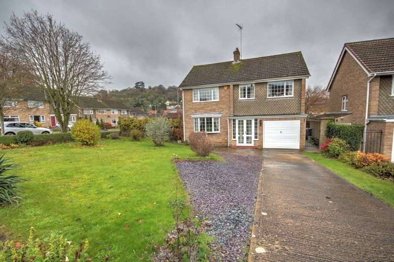4 Bedrooms Property for sale in Dryleaze, Wotton-Under-Edge, GL12