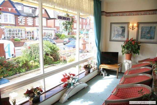 10 Bedrooms Hotel Commercial for sale in King Edward Avenue, Blackpool, FY2 9TA