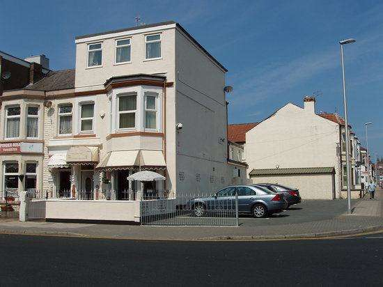 8 Bedrooms Hotel Commercial for sale in Palatine Road, BLACKPOOL, FY1 4BT