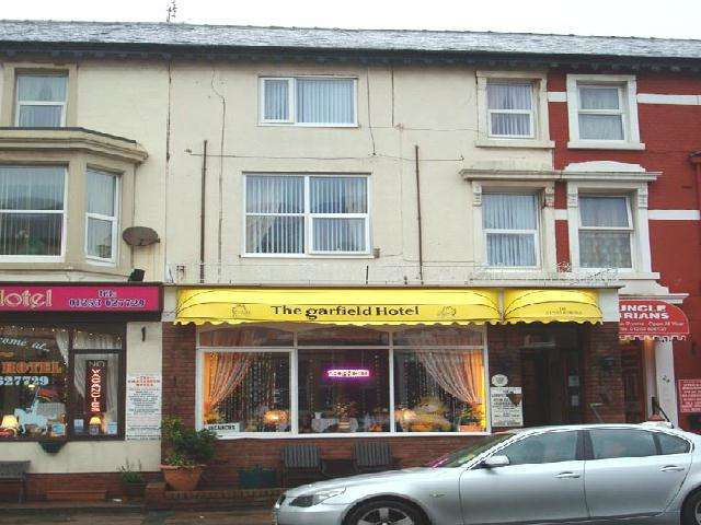 10 Bedrooms Hotel Commercial for sale in Springfield Road, Blackpool, FY1 1QL
