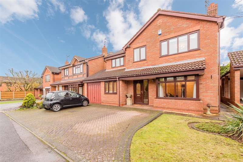 4 Bedrooms Detached House for sale in Ploughmans Walk, Kingswinford, DY6 0DX