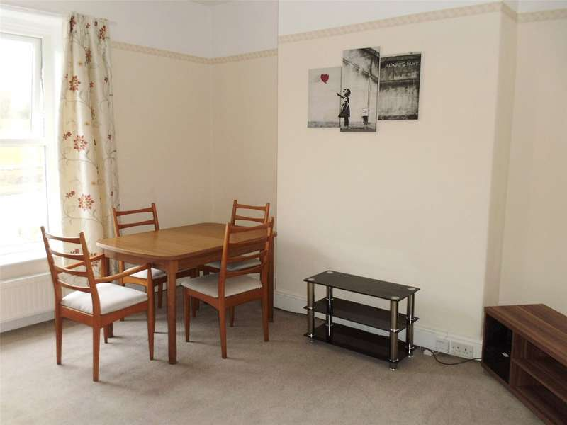 2 Bedrooms Apartment Flat for rent in Manchester Road, Rochdale, Lancashire, OL11