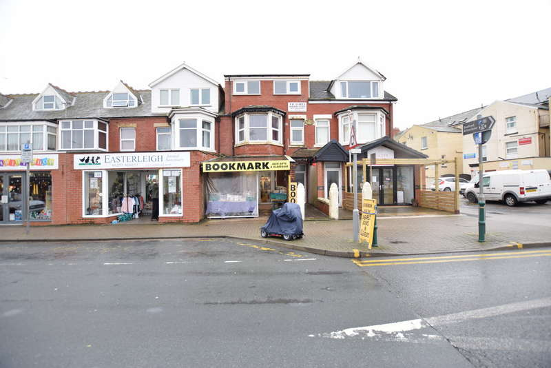 4 Bedrooms Flat for sale in Victoria Road West, Thornton-Cleveleys
